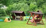 Chalupa Vyhne - detské ihrisko, hojdačka